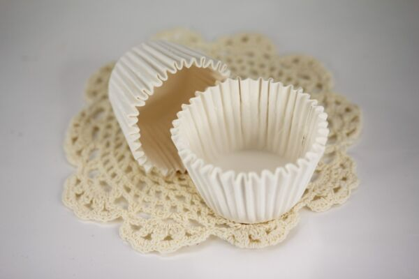 100x 2.25#x27;#x27; Paper Cupcake Muffin Liners Baking Cups White Jumbo