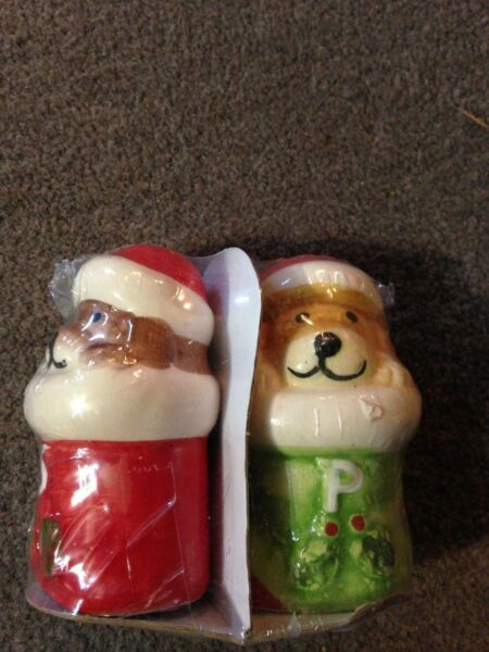 Santa Dogs salt and pepper shakers $4.99