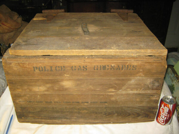 ANTIQUE PRIMITIVE POLICE GAS GRENADE WOOD BOX TABLE STAND CRATE SIGN TOOL ART US