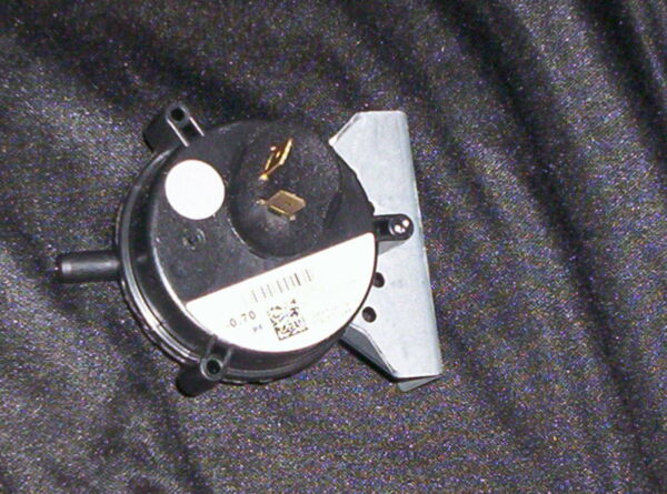 # 632432 Nordyne Gas Furnace Pressure  Vacum Switch Factory Part Not Generic