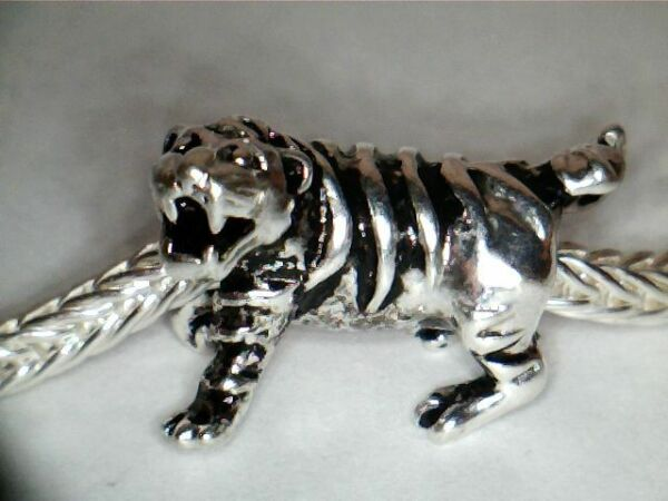 SILVER PLATED TIGER SPACER CHARM ** SEE MY STORE FOR BRACELETS & BEADS