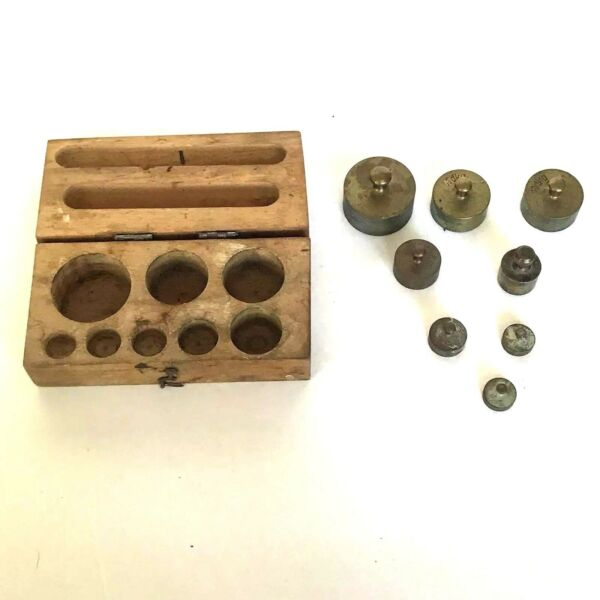 VINTAGE ANTIQUE BRASS BALANCE SCALE WEIGHTS LOT OF 8 ORIG WOOD BOX STAMPED
