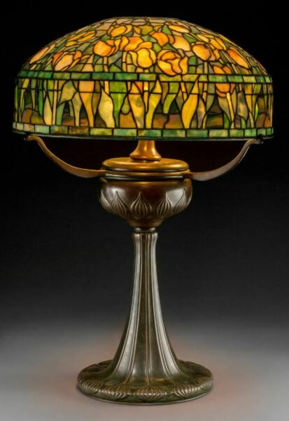 Tiffany Studios Leaded Glass and Bronze Tulip Table Lamp on Tyler Base