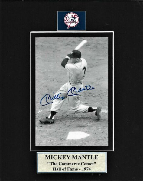 8X10 BLK. MAT WITH 4X6 B&W PHOTO MICKEY MANTLE LIVE INK SIGNED