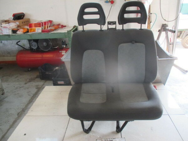 Seat Front Middle & Right Jumper 2.2 D 5M 74KW (2005) Replacement Used Mens