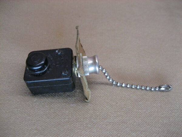 Vintage ARROW Hamp;H Light Lamp Pull Chain Switch 3A 250V 6A 125V old parts 203B
