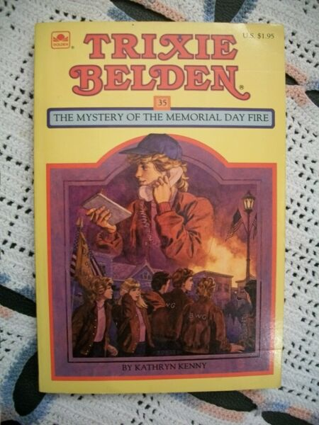 Trixie Belden #35 The Mystery of the Memorial Day Fire Square PB Edition