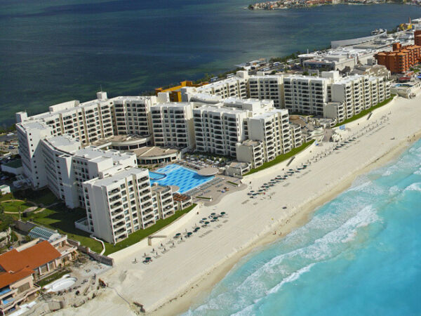 2 BEDROOM LOCKOFF, THE ROYAL SANDS, FIXED WEEK 16, ANNUAL, TIMESHARE, MEMBERSHIP