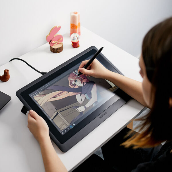 Used Wacom Cintiq 16 15.6quot; drawing tablet with HD Screen $449.95