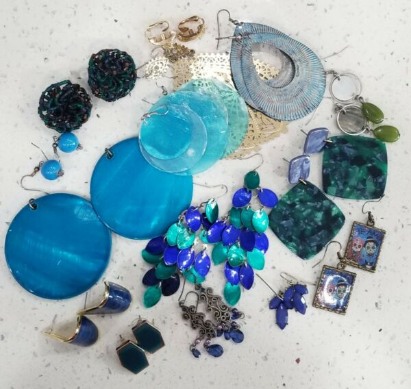 Blue Earring Lot Vintage Costume 15 Pairs . EL#13