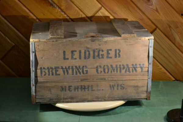 Vintage Rare LEIDIGER Brewing Company Merrill WI Wood Beer Crate Hinged Lid WOW