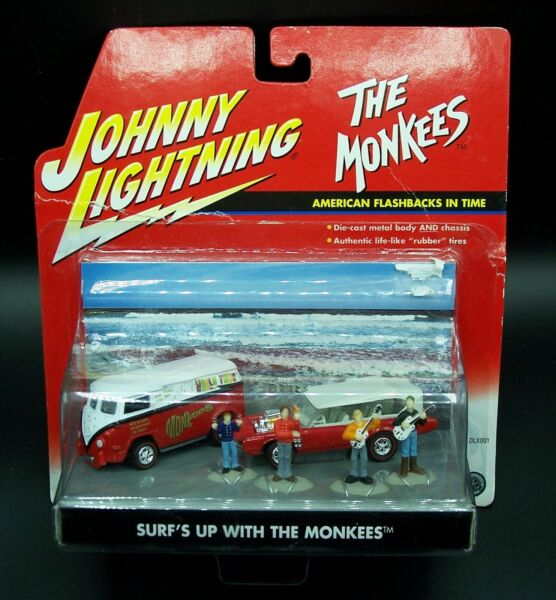JOHNNY LIGHTNING SURF#x27;S UP WITH THE MONKEES DIORAMA SCENE w VOLKSWAGEN 1 64 MOC