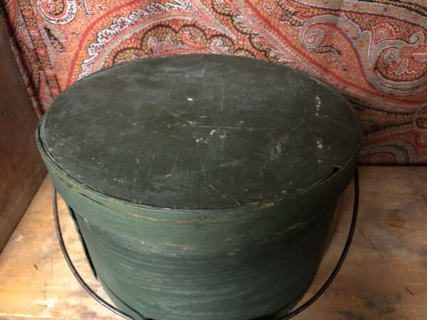 ANTIQUE WOODEN PANTRY BOX IN OLD DARK GREEN PAINT NAILED OVERLAP SEAMS