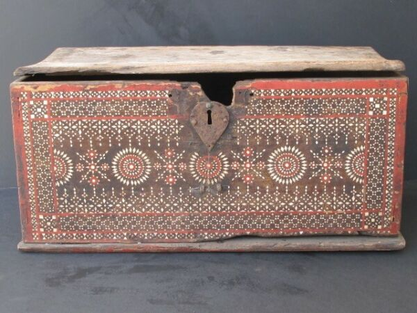 Antique Box Wooden Inlay Mother of Pearl Lombok Indonesia