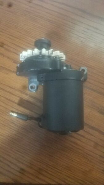 Briggs And Stratton small Engine Electric Start starter Motor 799241 $78.95