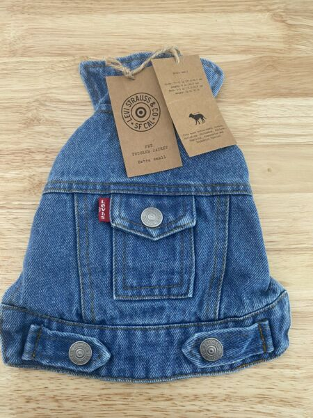 Levis Strauss Pet Demin Trucker Dog XS with Opening for Leash Lined Jacket NWT $19.20