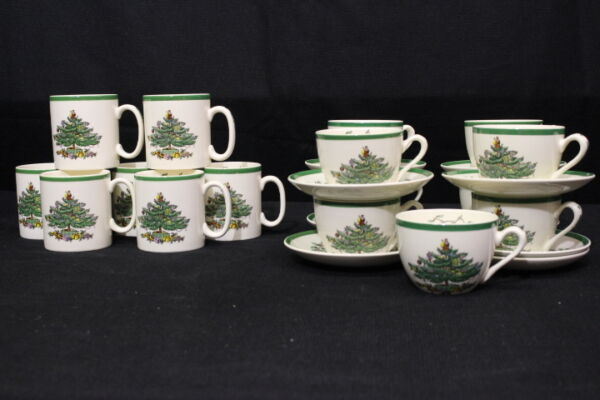 25pc Spode CHRISTMAS TREE Green Trim Flat Teacups Saucers Coffee Mugs England