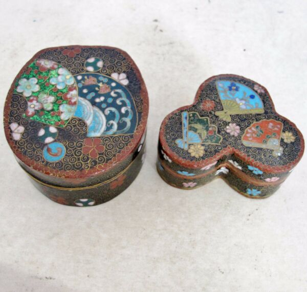 2 Sm Antique Japanese Meiji Cloisonne Trinket Boxes with Flowers