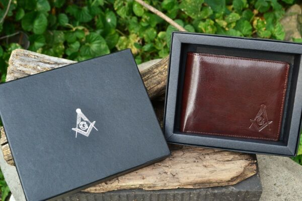 Masonic Brown Leather Bi Fold Wallet Mason Embossed Square and Compasses