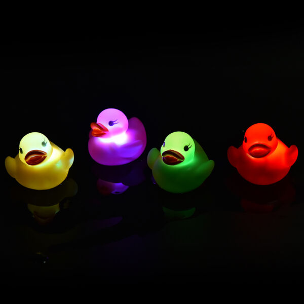 LED Flashing Light rubber floating Duck with Bath Tub Shower Toy for Kids Toy PR