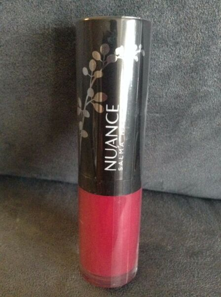 NUANCE SALMA HAYEK PLUMPING LIQUID LIPSTICK #710 LIQUID LILLY - NEW AND SEALED