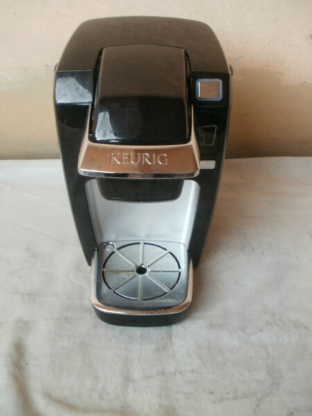 Keurig B31 Mini Plus 1 Cups Brewing System black