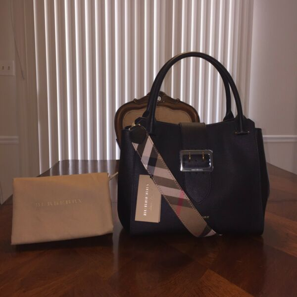 NWT Burberry Buckle Medium Tote in Black