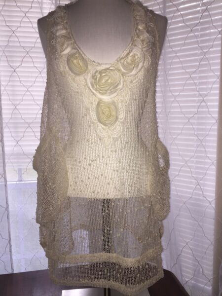 NEW PRETTY ANGEL Small Ivory Tunic Top Dress W Pockets And Rose appliques $21.00