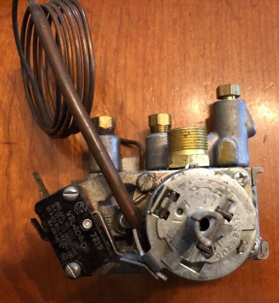 4700 227 Robertshaw Domestic Gas Thermostat Never Used No Package $30.00