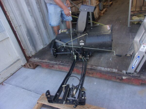 John Deere SABRE SNOW BLOWER THROWER  MOSCSTX030912 42 IN WIDE DEMO UNIT