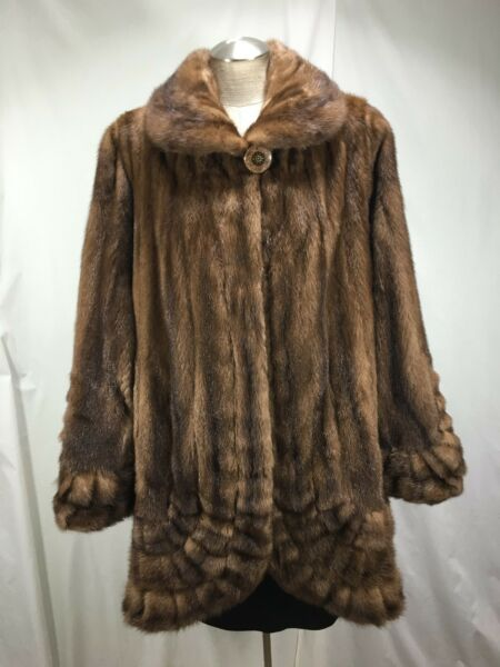 MASTERFULLY RENDERED U S RANCH WILD MINK FUR RUFFLES LADY STROLLER FREE SHIPPING