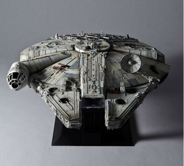 Star Wars 172 Perfect Grade MILLENNIUM FALCON Plastic Model Kit - Standard Ver.