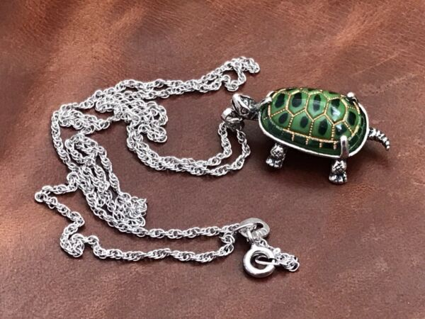 """Sterling Sliver Turtle W Green & Yellow Ceramic Shell Pendant Necklace 18"""" In"""