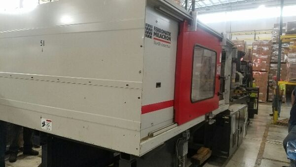 2003 310 ton Milacron MM310 High Speed Wide Platen Packaging Machine
