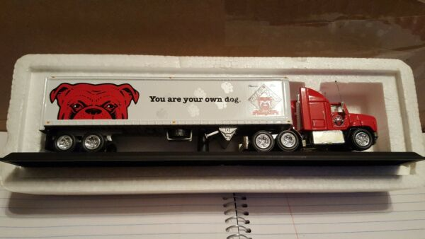Matchbox Ultra quot;Red Dogquot; Tractor Trailer 1 100 Scale $31.99