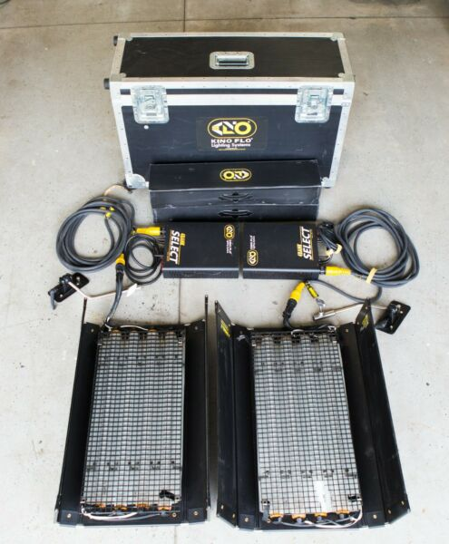 Kino Flo 2' x2 4 bank interview light kit Used Good condition with bulbs