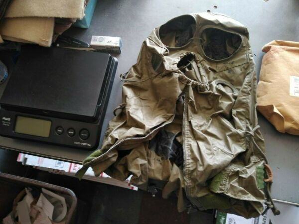 HOLWEEN VINTAGE GOVERNMENT SURPLUS M6A2 Gas Mask Hood zombie