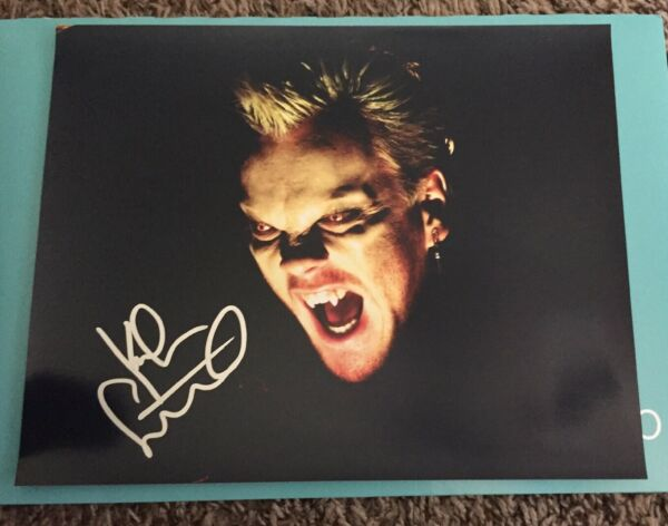 KIEFER SUTHERLAND ACTOR SIGNED AUTOGRAPH 8x10 PHOTO A THE LOST BOYS 24