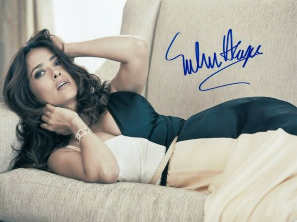 Salma Hayek Signed  8x10 auto photo in Excellent Condition
