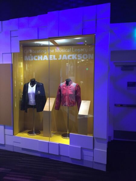 Michael Jackson Grammy Museum VICTORY TOUR Billie Jean jacket
