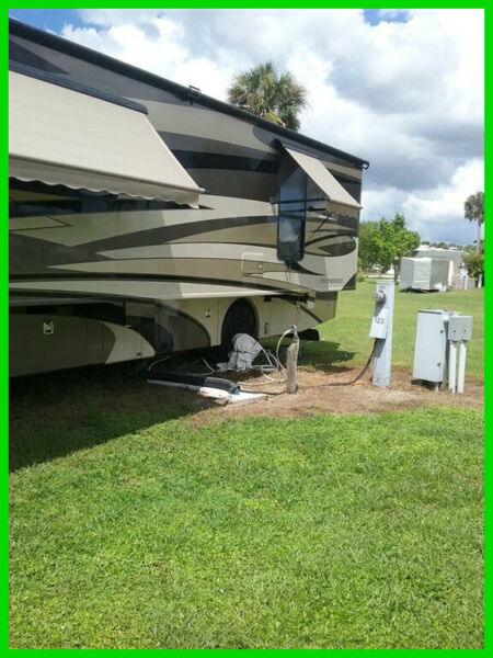 2010 Fleetwood Providence 40TClass A Diesel41'Sleeps62 ACKing Bed 135K OBO