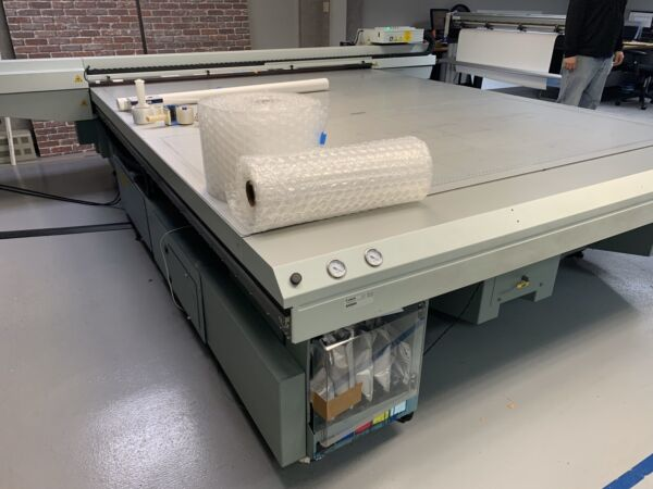 Oce Arizona 550 XT + WIO Wide Format UV Flatbed Printer