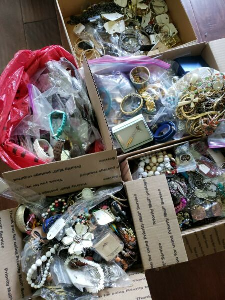 Estate Costume Jewelry Lot Vintage Modern New Used  ALL WEARABLE 2 POUNDS