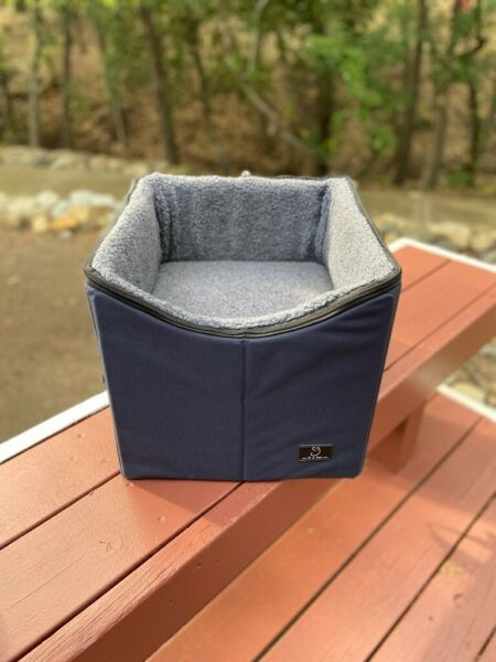A4Pet Lookout Dog Booster Car Seat Dark Navy Used Once $44.99