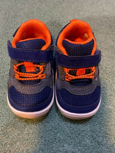 surprize by stride rite 3 Boys Orange and Navy Blue NWOT $26.00