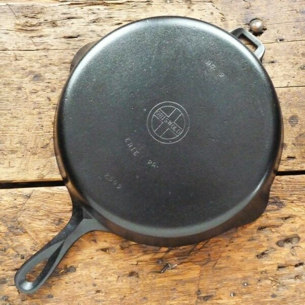 Vintage GRISWOLD Cast Iron SKILLET Frying Pan # 9 SMALL BLOCK LOGO Ironspoon
