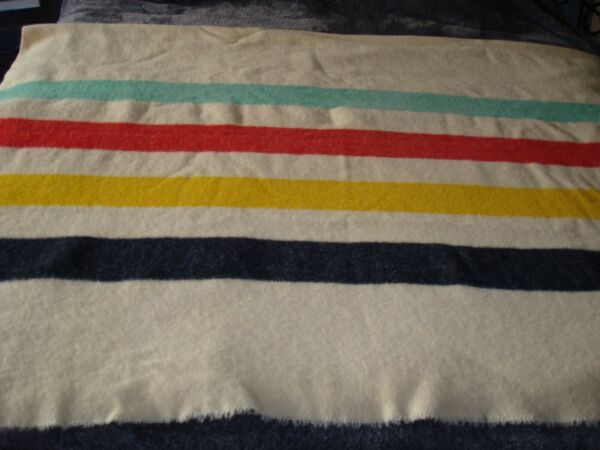 """VINTAGE 4 POINT HUDSON BAY HEAVY WOOL BLANKET MADE IN ENGLAND 66x86"""""""