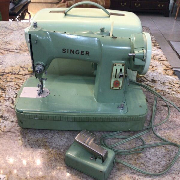 Vintage Singer 185 K Green Mint Sewing Machine 1950#x27;s with Attachments and Case