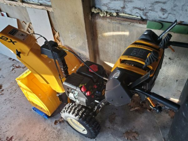 cub cadet snow blower 2X 26quot; HP 2 Stage Power 6 speed forward 2 speed reverse