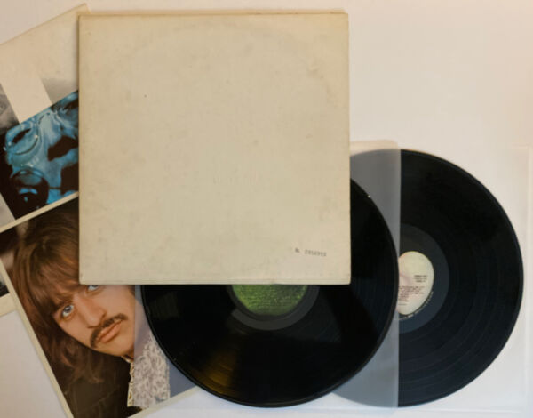 The Beatles White Album 1968 US Apple Numbered Cover wIth Inserts VG